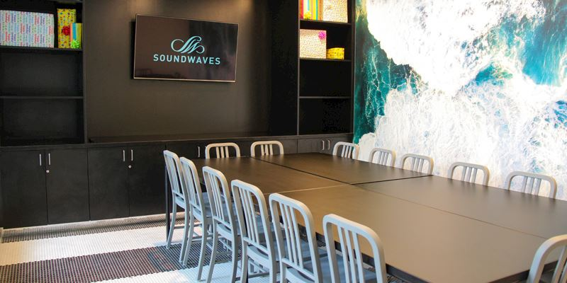 SoundWaves at Gaylord Opryland, Nashville offers Party Rooms